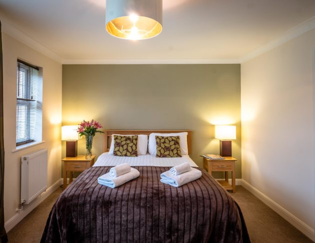 lakeview-holiday-cottages-self-catering-somerset-bedroom