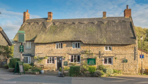 traditional-somerset-pub-near-lakeview-holiday-accommodation